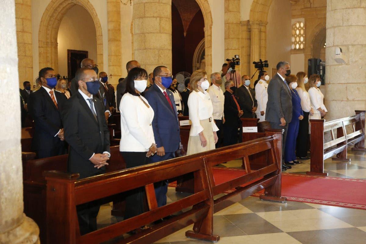 Contraloría conmemora 92 aniversario con una misa de acción de gracias