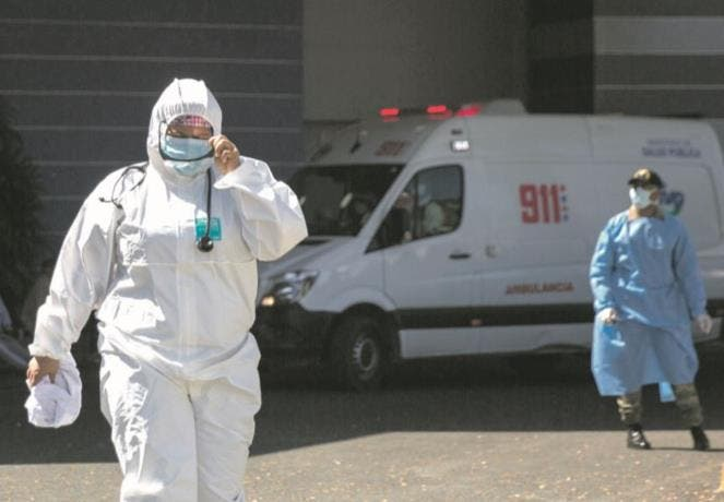 Se disparan los contagios en RD  mientras la vacunación se ralentiza