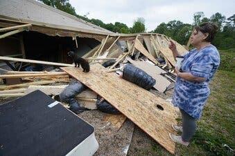Tormentas causan al menos 3 muertos en sur de EEUU