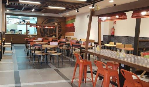 Empresa de comida rápida pone a disposición sus establecimientos para impartir clases