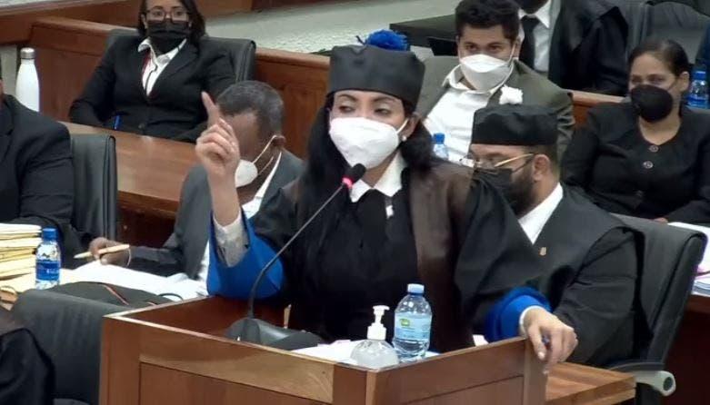 Yeni Berenice dice caso Coral le ha obligado a cambiar su estilo de vida