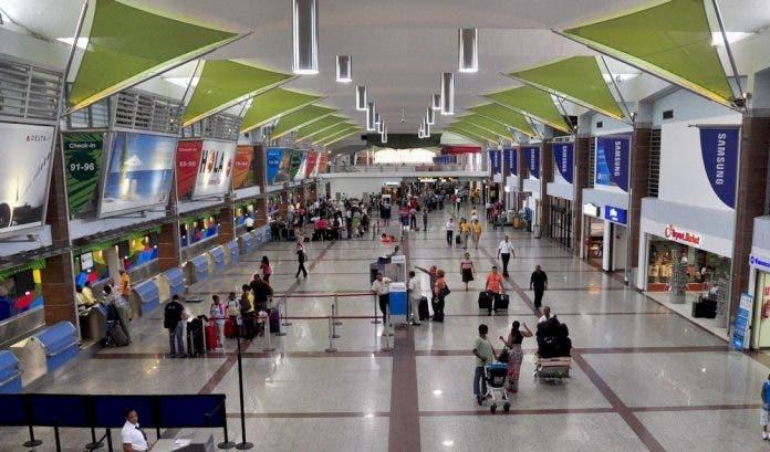 Gobierno RD impone nuevas restricciones a la entrada de viajeros de 18 países