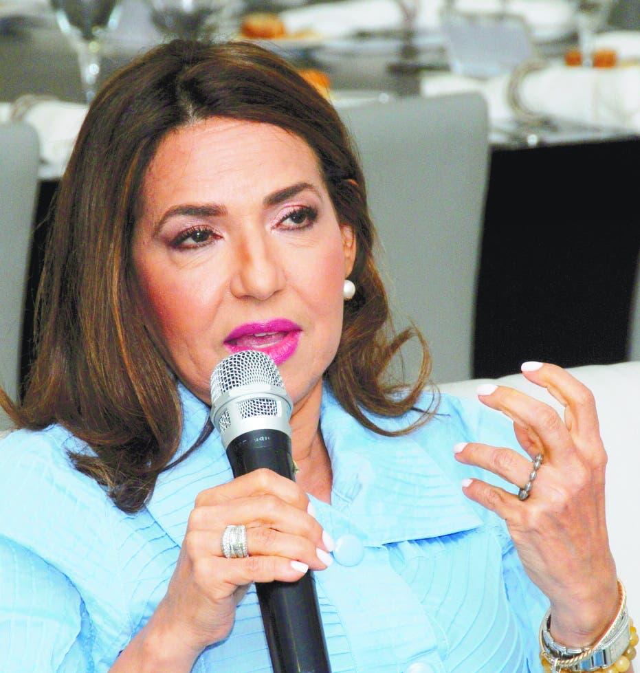 Entidades nacionales e internacionales proponen Peralta Arias para dirigir TSE