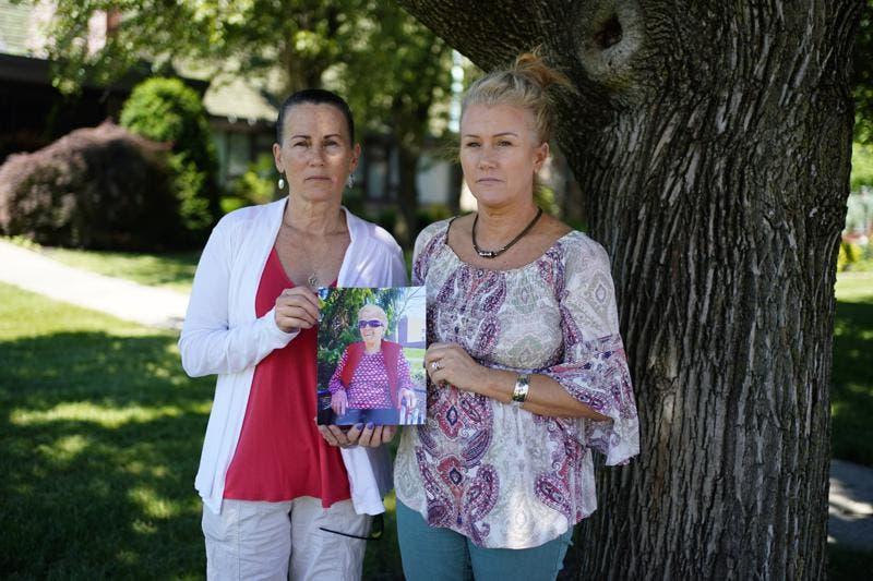 Critican medidas anti-COVID en casas para ancianos en EEUU
