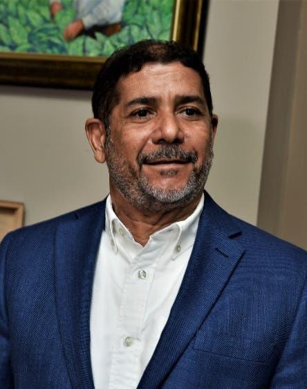 Limber Cruz anunció recibirán técnico español que puede lograr la vacuna para la fiebre porcina