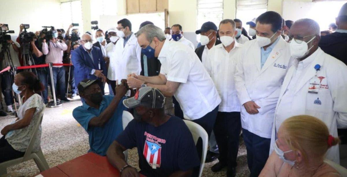 Epidemiólogos piden al Gobierno otra jornada especial de vacunación  contra COVID-19