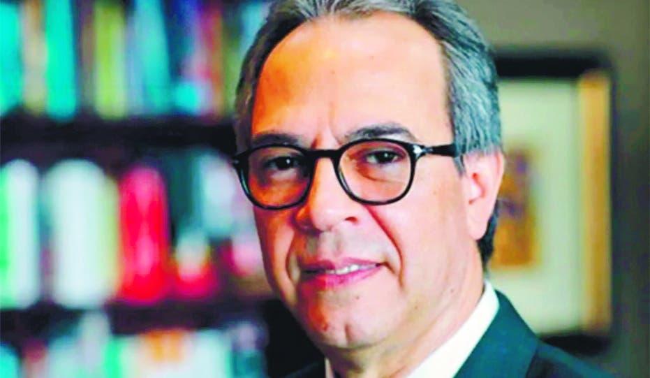 Academia de Lengua escoge a escritor José Mármol miembro de número
