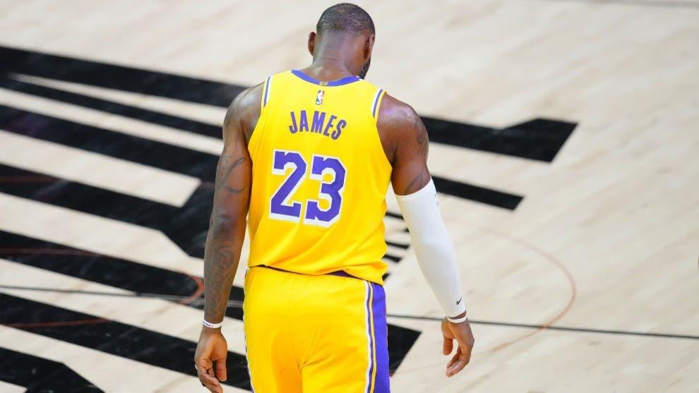 Suns de Booker eliminan a los Lakers de LeBron en primera ronda