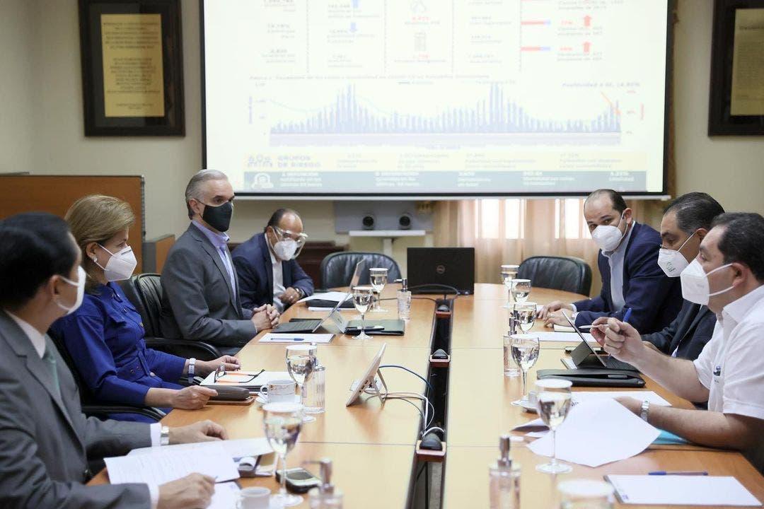 Gabinete de Salud se reúne para analizar ocupación camas UCI