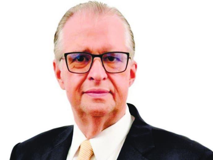 Sepultan los restos del empresario Carlos Fondeur