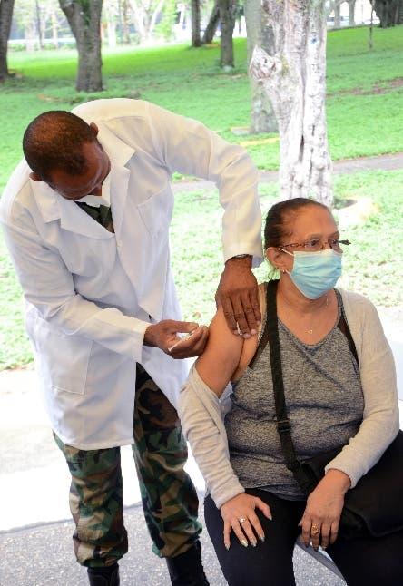 Suben los contagios covid-19 en menores; notifican 1,129 casos