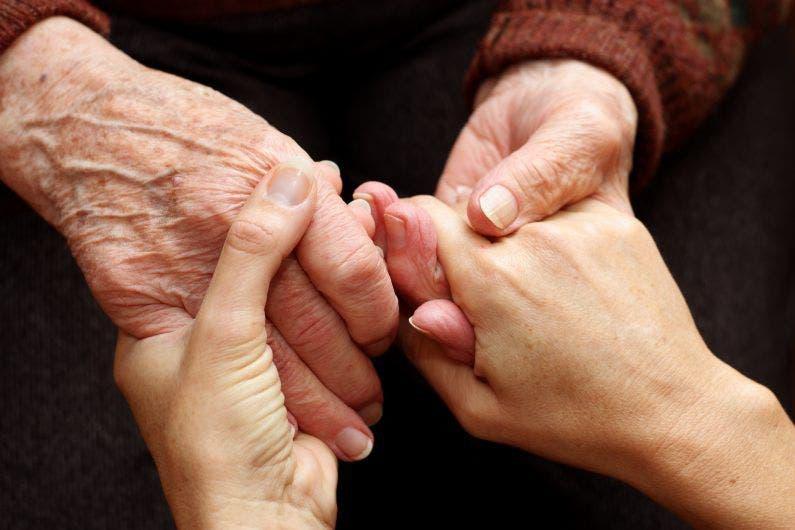 Centro de Acogida para Adultos Mayores maltrata envejecientes internos, denuncian familiares