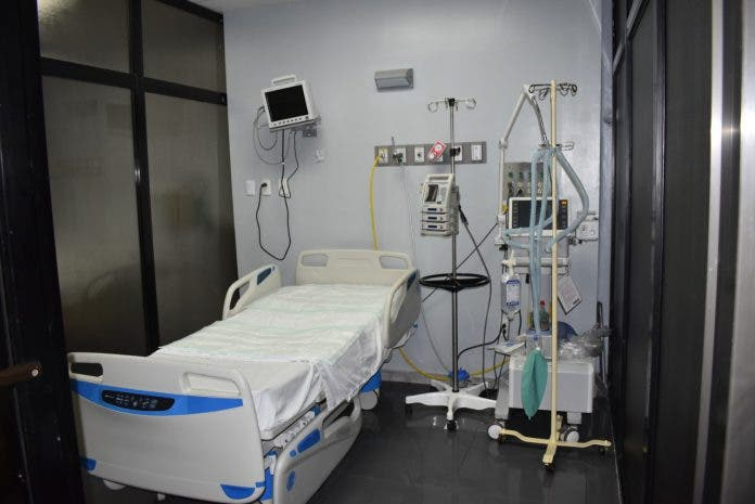 Ocupación camas COVID, UCI y ventiladores registran considerable baja