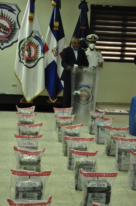 DNCD y Armada incautan 263 paquetes de cocaína