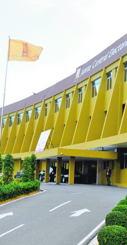 JCE aprueba subsanar de oficio errores en actas