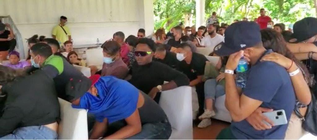 En Pedro Brand detienen 123 personas que estaban en «teteo»