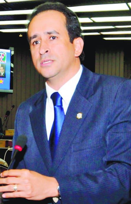 Legislador dice PLD se querellará por mensaje en redes