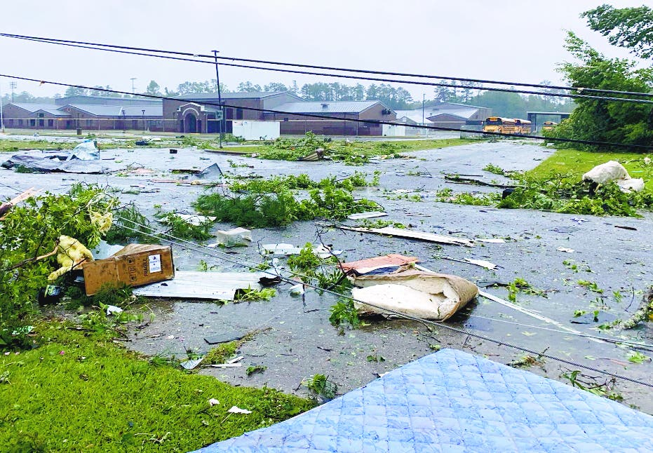 Mueren 12 tormenta Alabama