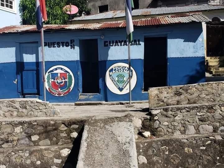 Desalojan destacamento policial Azua por no poder pagar 3,000 pesos mensuales