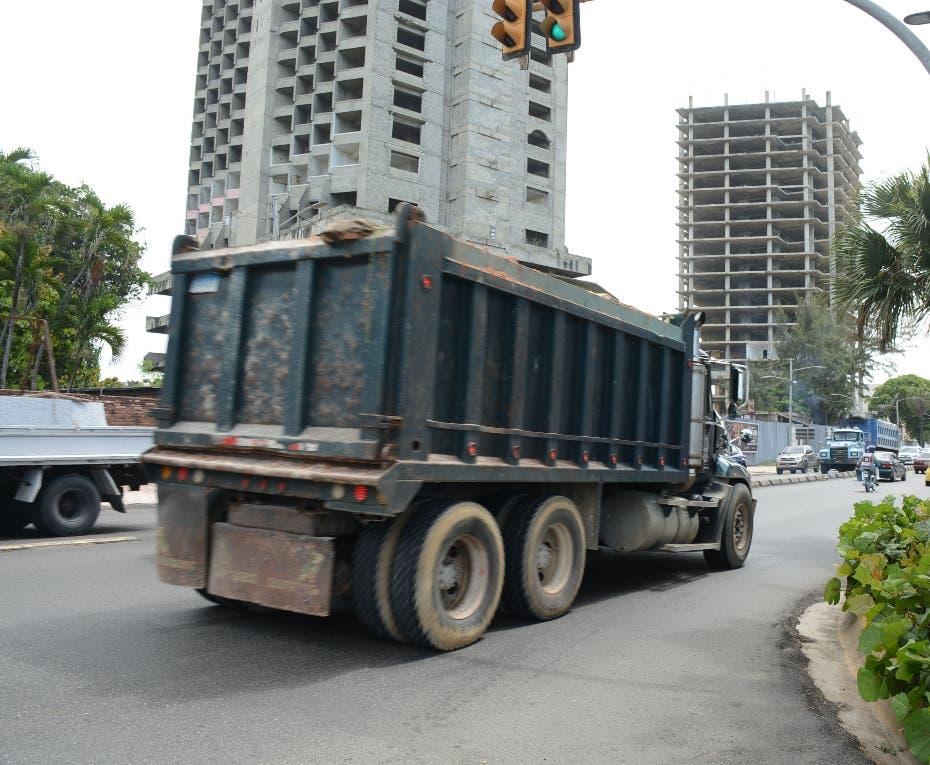 ADN afirma sacará camiones Malecón y otras vías de SD