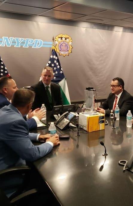 Policía NY tendría seguridad recintos electorales