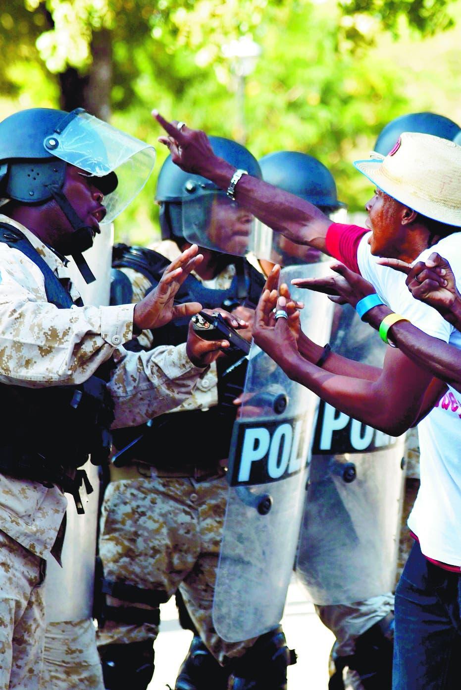 Policías matan 15 civiles Haití por represalia muerte colega