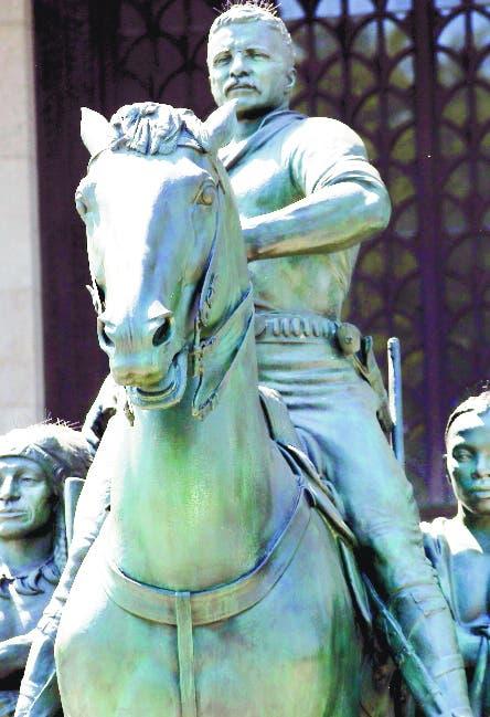 Retirarán estatua Roosevelt NY