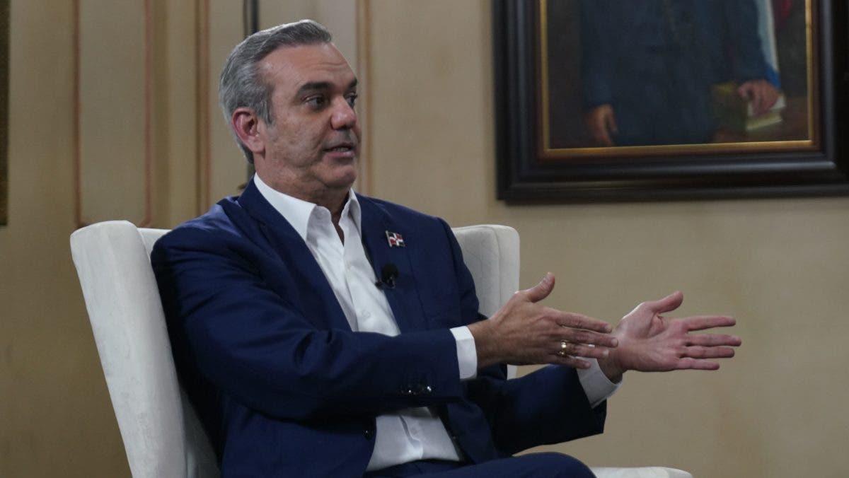 «COVID y burocracia han frenado» al presidente Luis Abinader