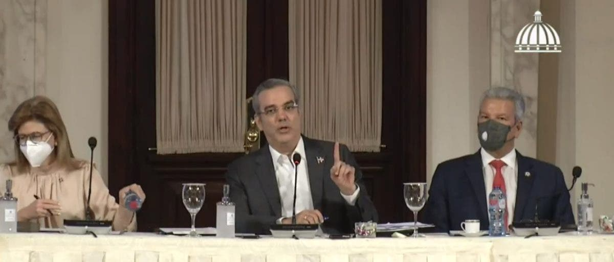 Abinader sobre reforma fiscal: «No es el momento para eso»