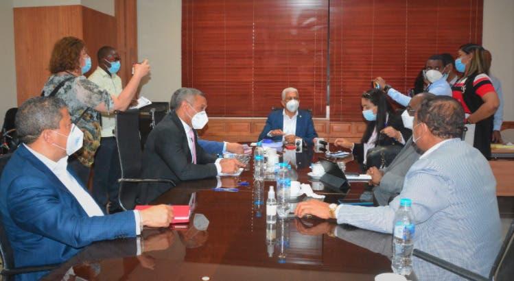 Comisión presentará informe sobre Defensor del Pueblo en sesión del Senado