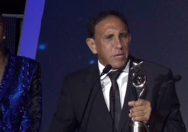 Premio Soberano a Cruz Jiminián en representación médicos luchan contra COVID