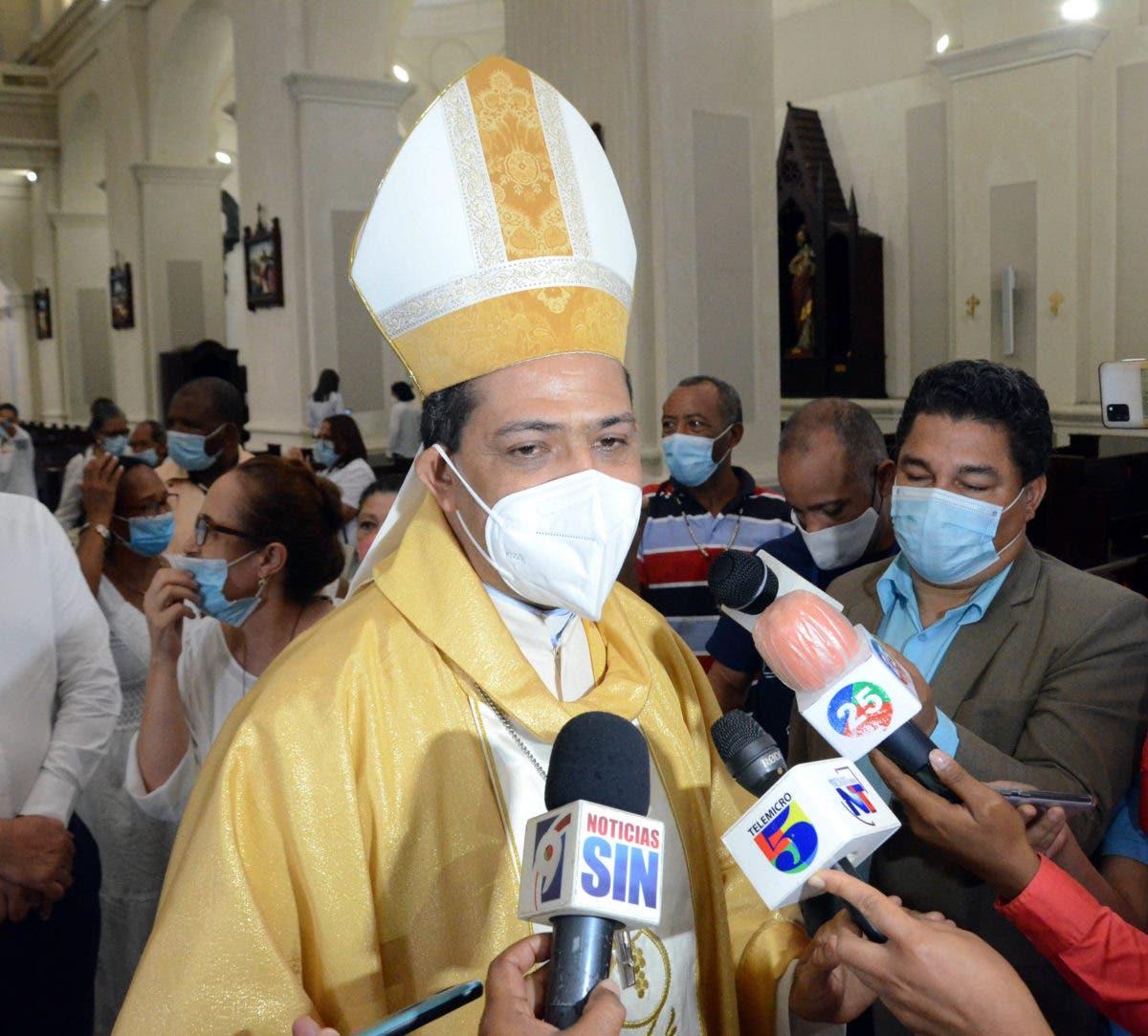 Obispo sugiere echar atrás docencia semipresencial y volver a la virtualidad por covid-19