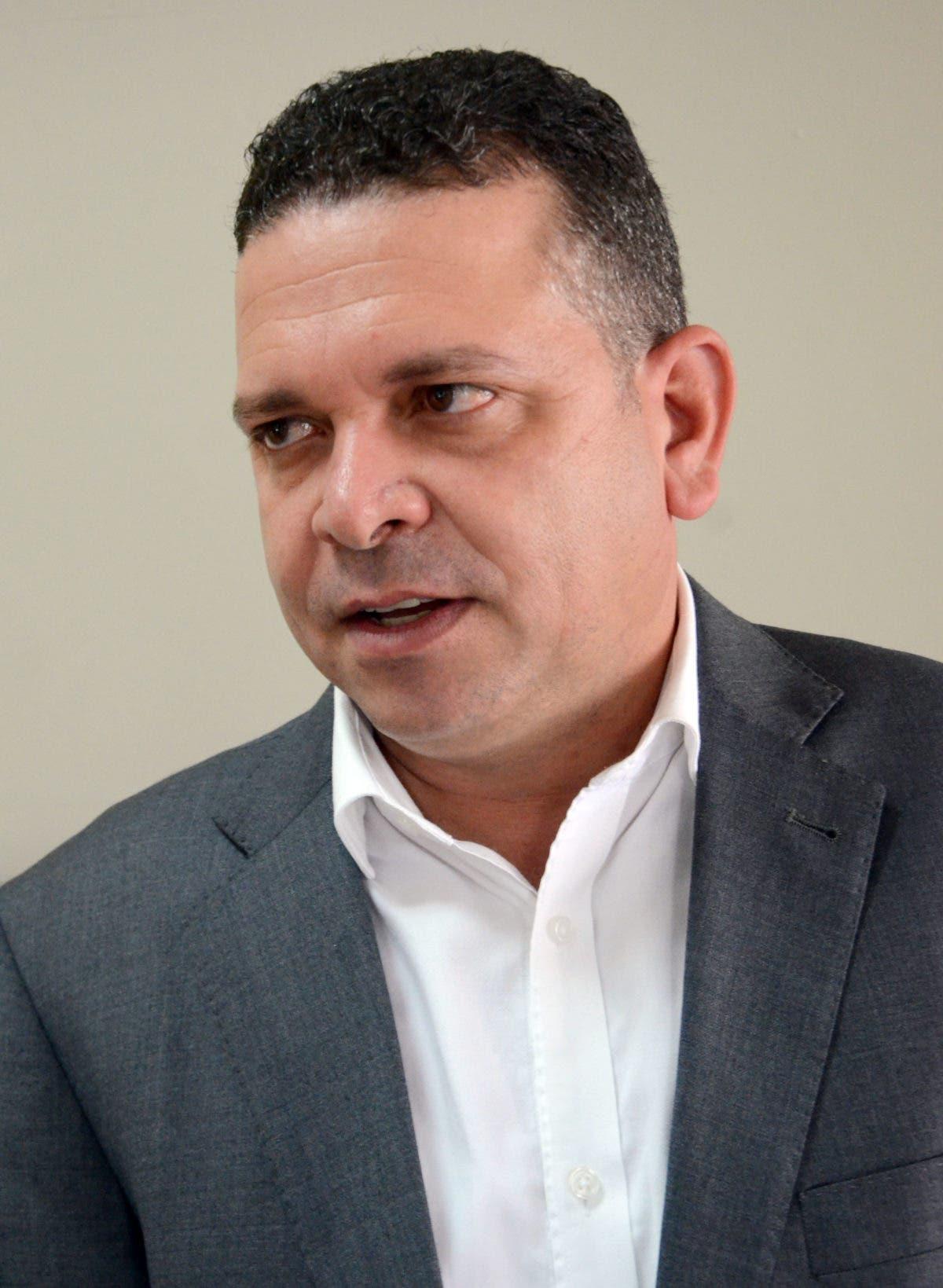 Con la muerte del exalcalde José Enrique Sued, Santiago pierde a un hombre querido y solidario