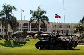 Oficiales superiores de comando de las FF. AA. deberán tener 25 y 20 años al servicio de sus instituciones para ser directores o subdirectores