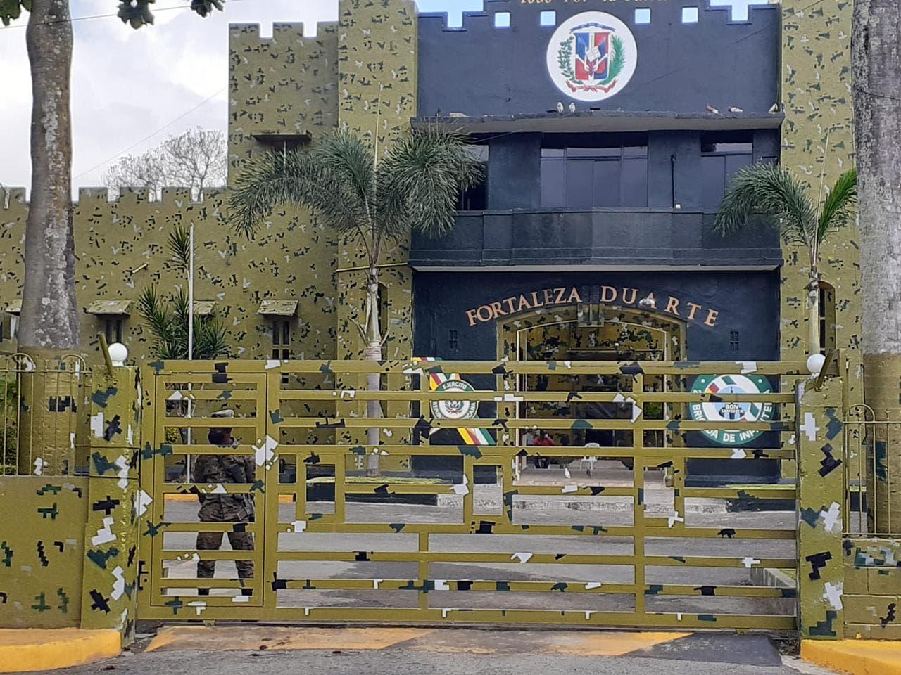 Juez dicta coerción a interno que mató a otro en la Fortaleza Duarte