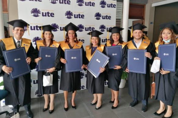 UTE gradúa 306 nuevos profesionales en carreras de Grado y Posgrado