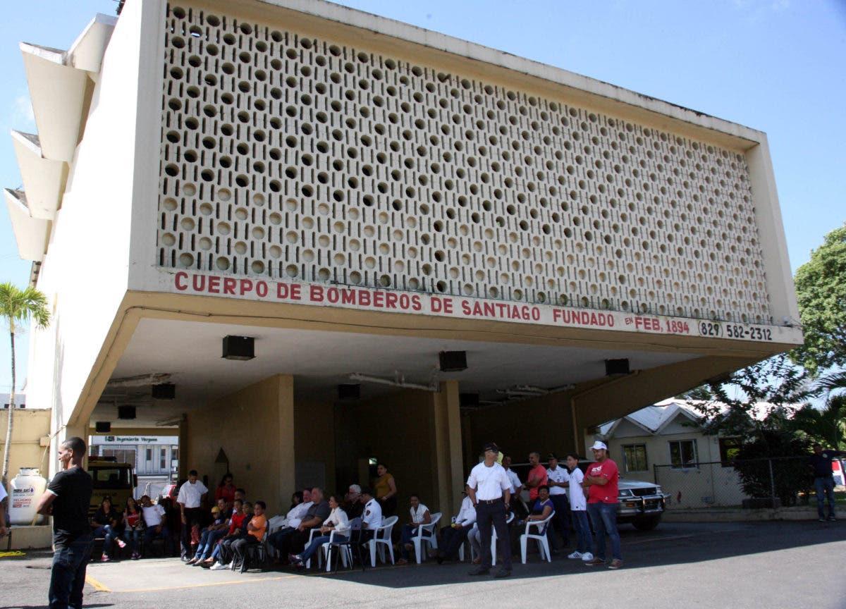Edificio de los Bomberos en riesgo de desplomarse y sede policial es la peor de la región del Cibao