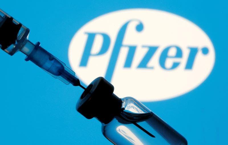 China planea reforzar sus vacunas con una dosis de Pfizer, según medios