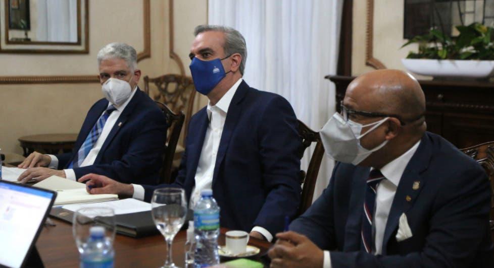 CNM evalúa postulantes al Tribunal Superior Electoral en sesión Palacio Nacional