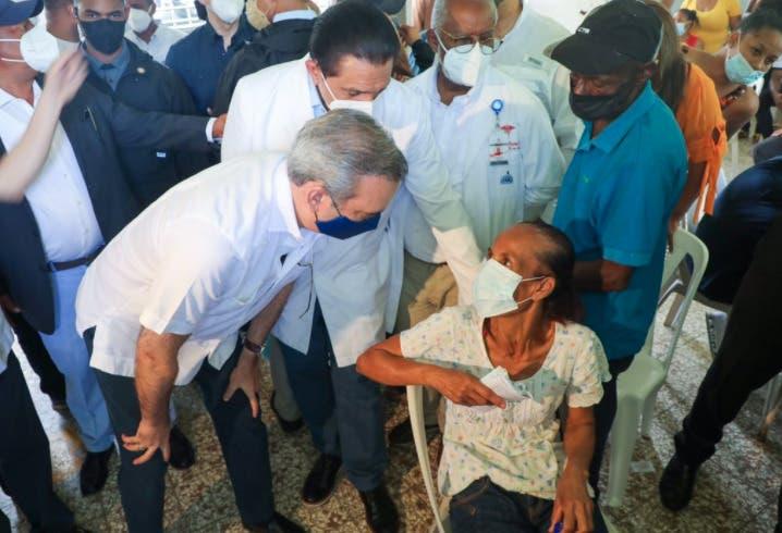 Presidente Abinader: que no quede nadie sin vacunarse