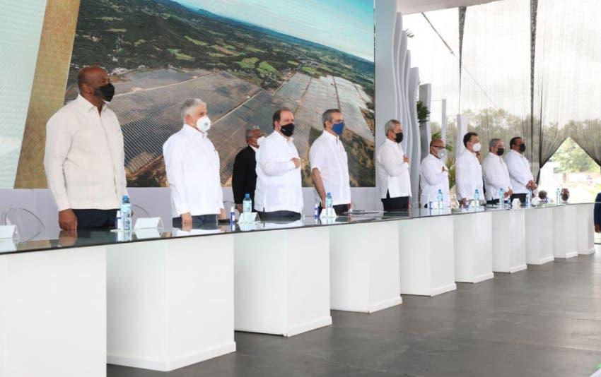 Luis Abinader encabeza inauguración del Parque Solar Girasol