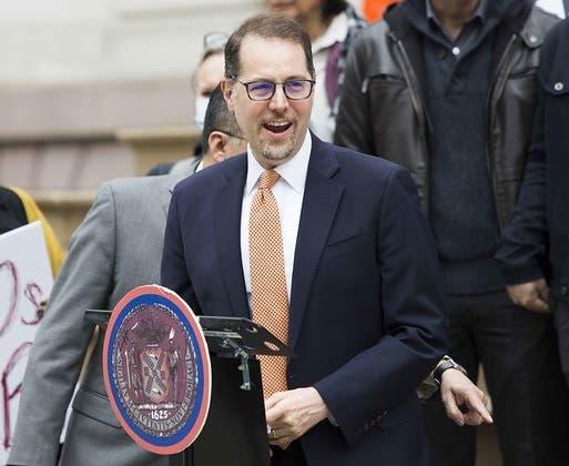 Mark Levine afirma hay que proteger inquilinos NYC ante escalada de desalojo