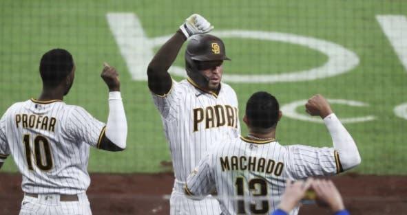 Padres barren a los Dodgers de Los Ángeles por primera vez desde 2013
