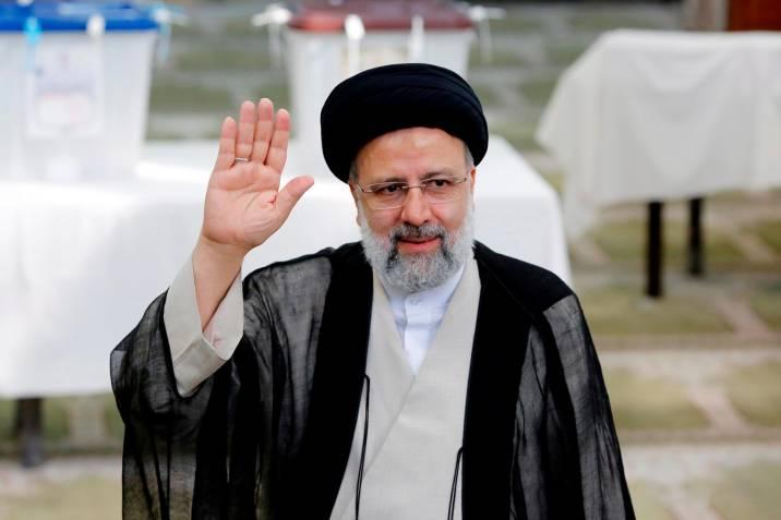 El ultraconservador Ebrahim Raisí elegido presidente de Irán
