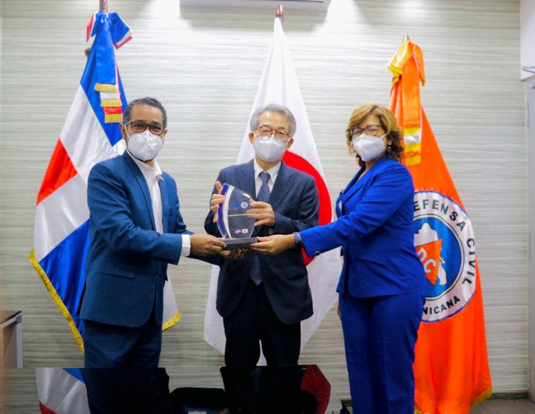 Defensa Civil reconoce a embajador de Japón por sus aportes en el fortalecimiento de la protección civil