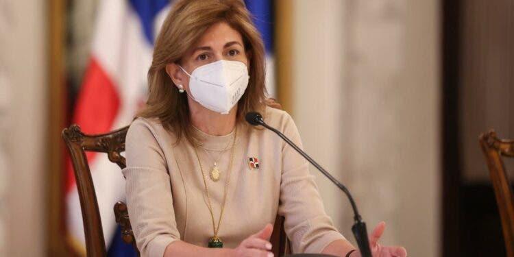 Raquel Peña dice trabajan protocolo para eliminar toque de queda en provincias alcanzan 70% vacunación