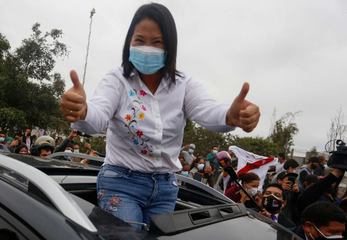 Keiko Fujimori lidera por un punto con el 88,8 % escrutado