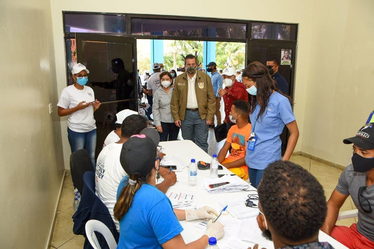 En fotos y videos | Funcionarios se tiran a las calles por Jornada Masiva de Vacunación contra covid-19