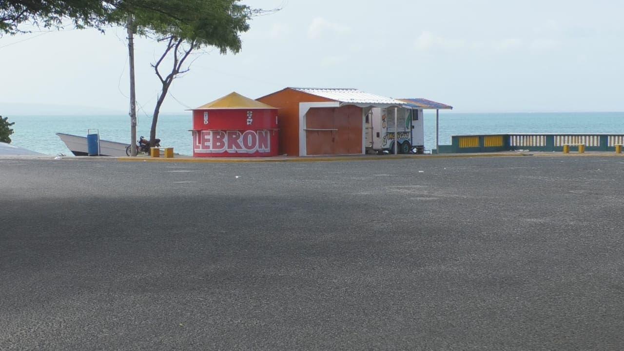 Cierran mercado binacional y centros de diversión en Pedernales por aumento casos COVID