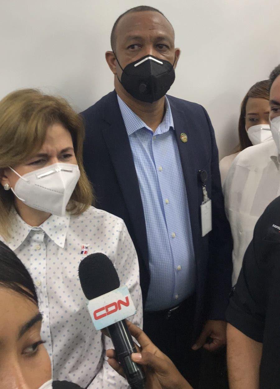 Vacunas Pfizer solo se apliacarán en Santo Domingo y Santiago, segú vicepresidenta